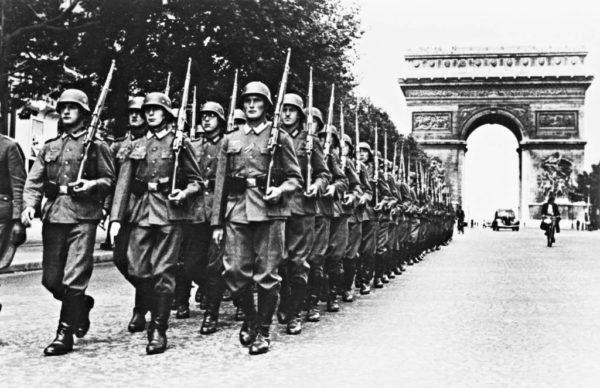 d%C3%A9fil%C3%A9-nazi-Champs-Elysees-e1517687540392.jpg
